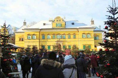 Schloss Hellbrunn Christmas market.
