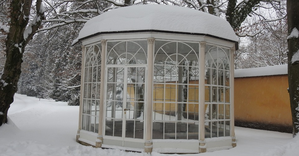 Gazebo-in-Winter